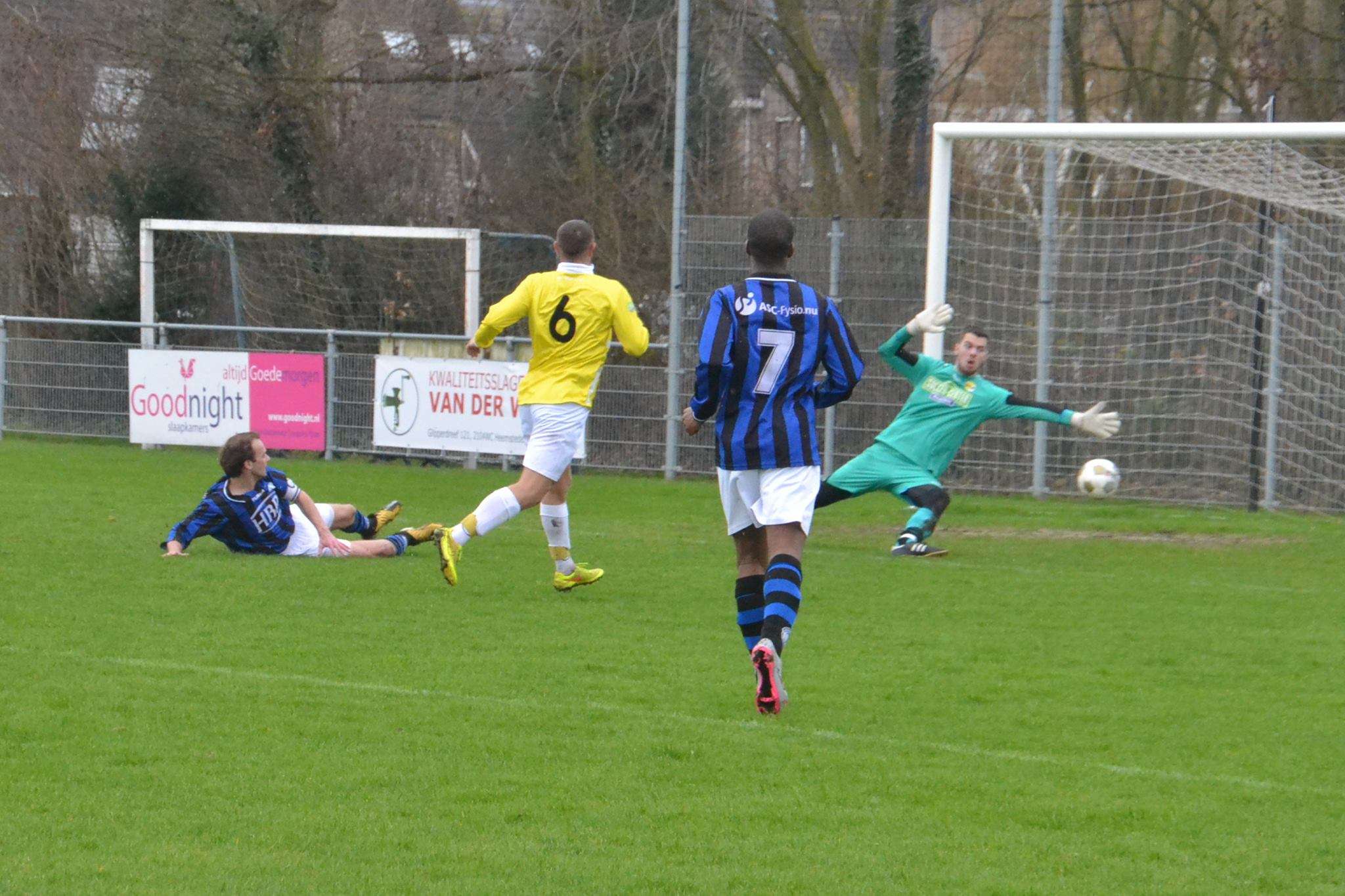 RCH - Geel-Wit - Voetbal in Haarlem
