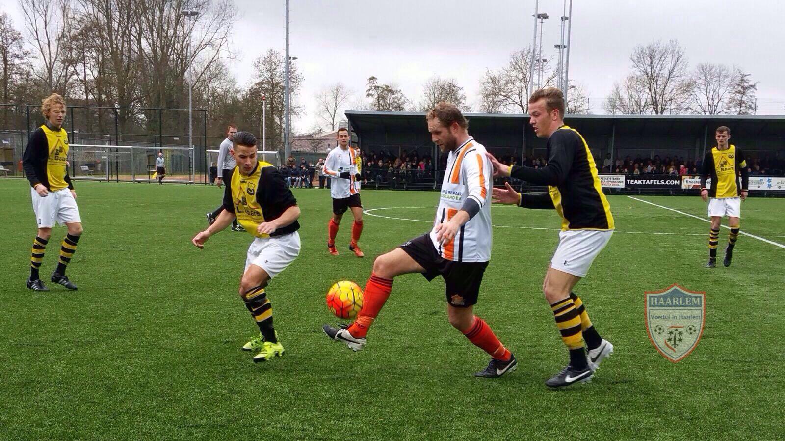 Schoten - HBC - Voetbal in Haarlem