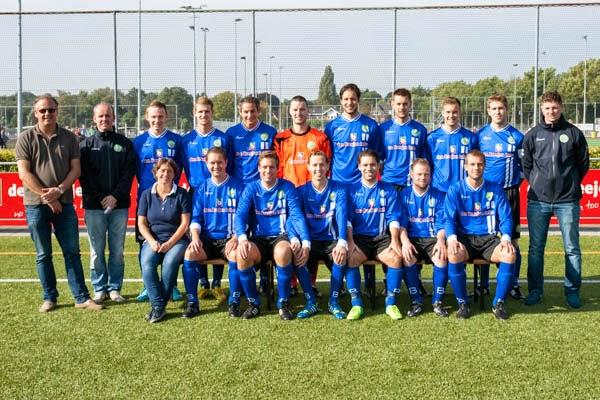 VEW teamfoto - Voetbal in Haarlem