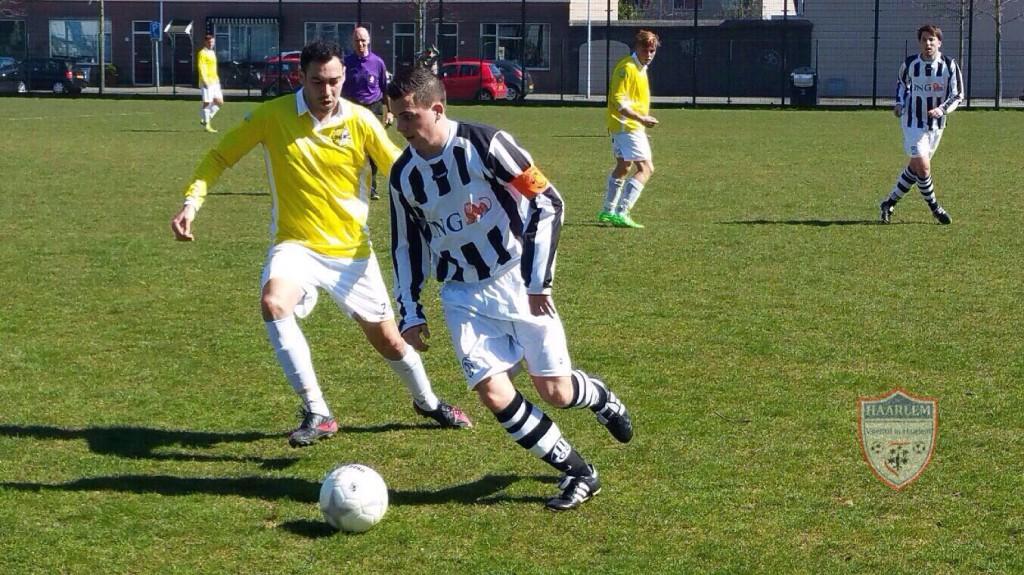 Geel-Wit - Onze Gezellen - Voetbal in Haarlem