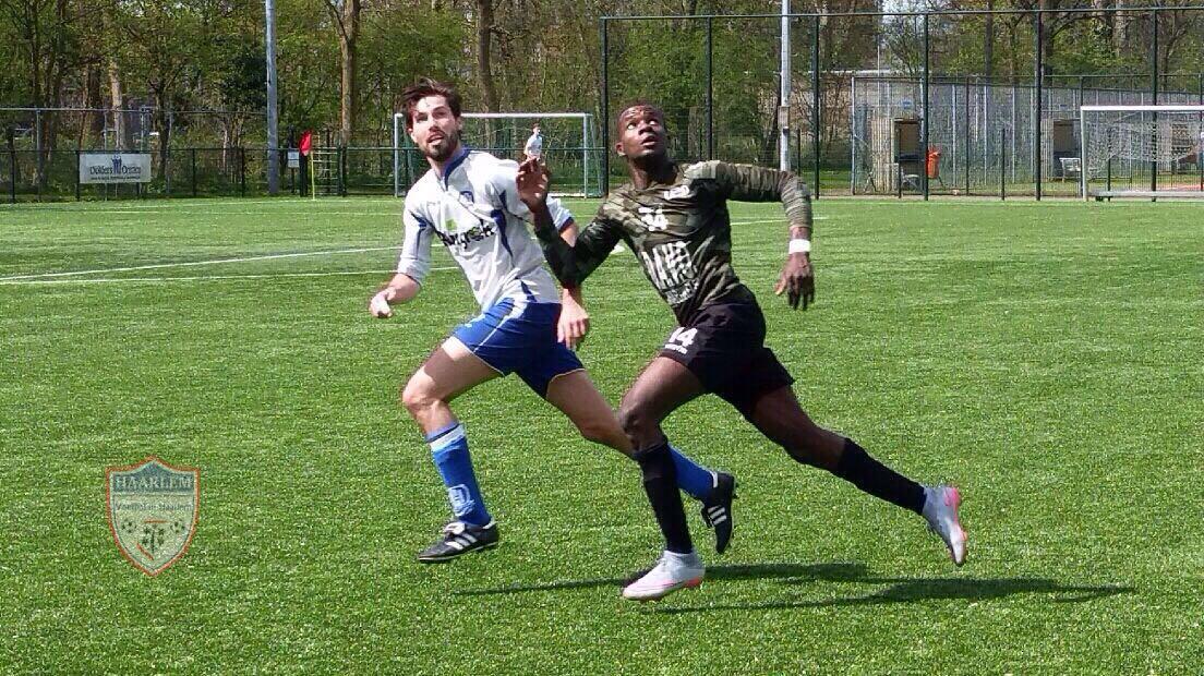 Hillegom - United/DAVO - Voetbal in Haarlem