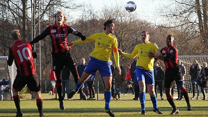Velsen - EDO - Voetbal in Haarlem