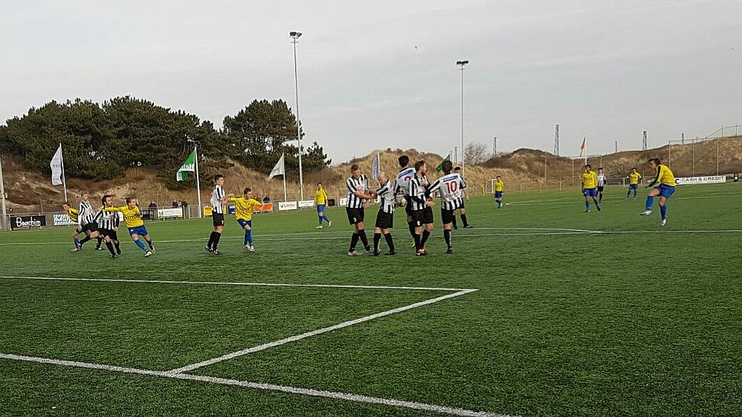 Zandvoort - IJmuiden - Voetbal in Haarlem