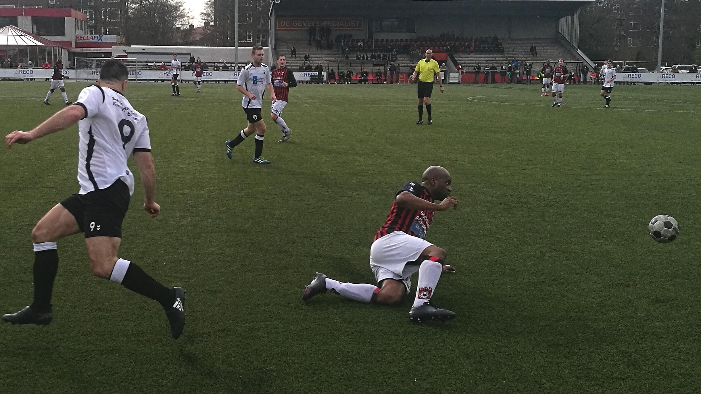 EDO - Marken - Voetbal in Haarlem