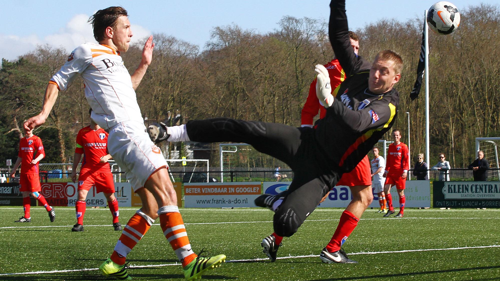 Bloemendaal - Weesp - Voetbal in Haarlem