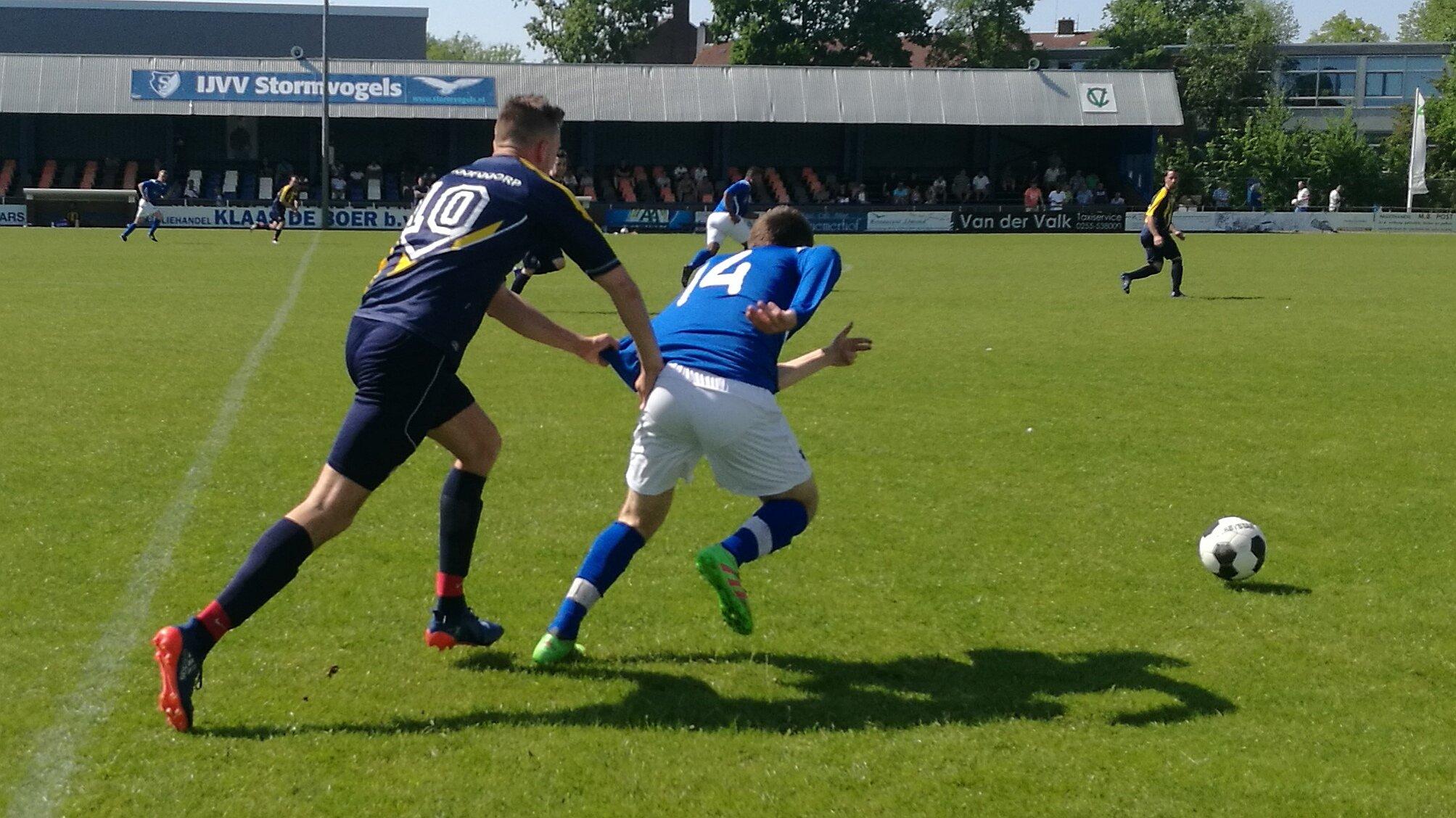Stormvogels - Hoofddorp - Voetbal in Haarlem