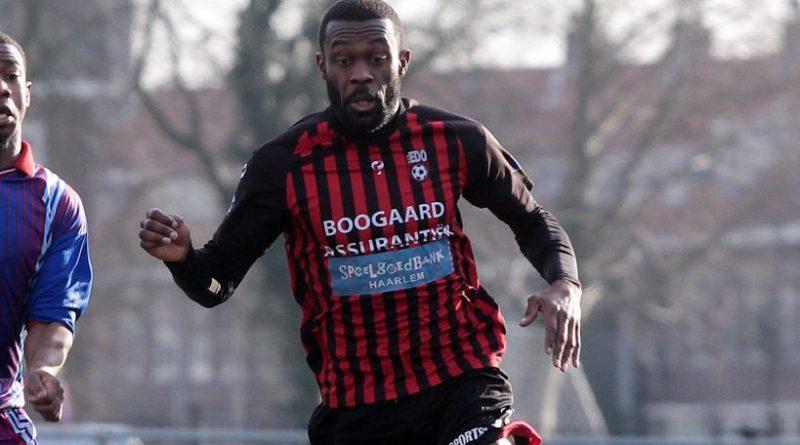 Esajas-EDO-Voetbal-in-Haarlem