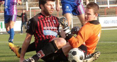 Ketting-EDO-Voetbal-in-Haarlem