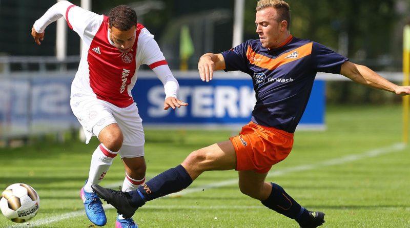 VVC-Ajax-Voetbal-in-Haarlem