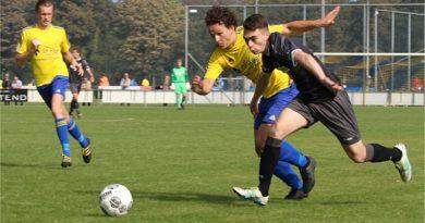Velsen-DEM-Voetbal-in-Haarlem