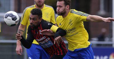EDO-Velsen-Voetbal-in-Haarlem