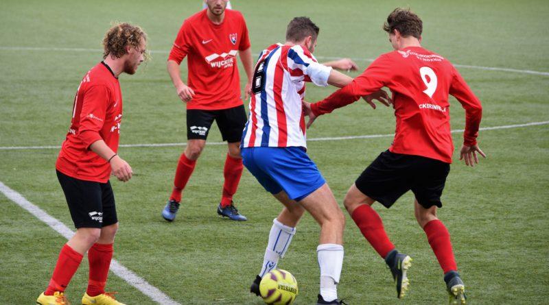 Kennemers-VVH-Velserbroek-Voetbal-in-Haarlem