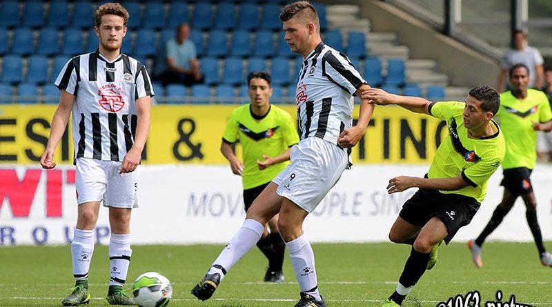 Milan-van-Essen-IJmuiden-Voetbal-in-Haarlem
