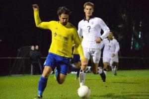 Velsen-Jong-Koninklijke-HFC-Voetbal-in-Haarlem