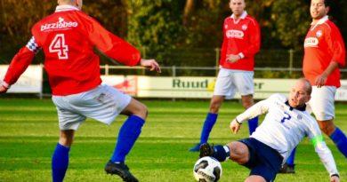 Koninklijke-HFC-Hoofddorp-Voetbal-in-Haarlem
