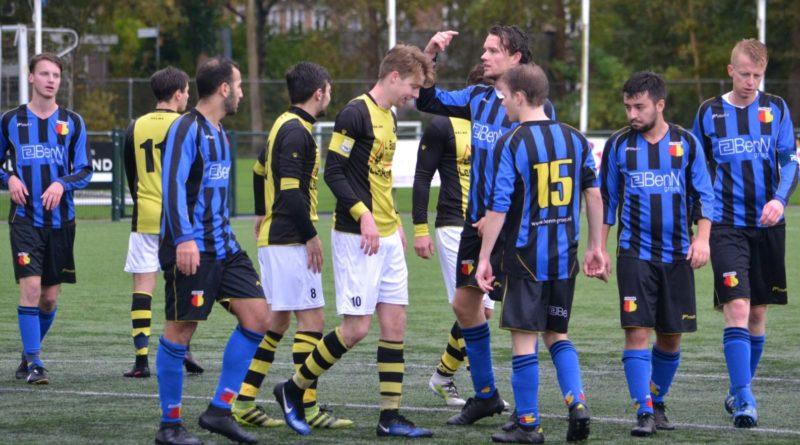 Schoten-Wijk-aan-Zee-Voetbal-in-Haarlem