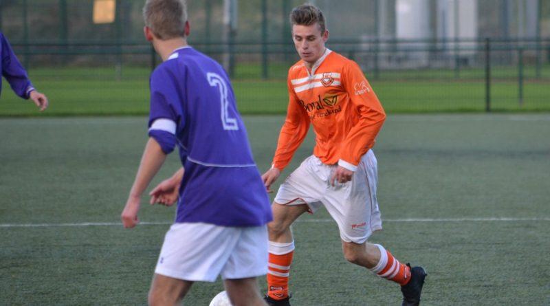 Spaarnwoude-Bloemendaal-Voetbal-in-Haarlem (16)