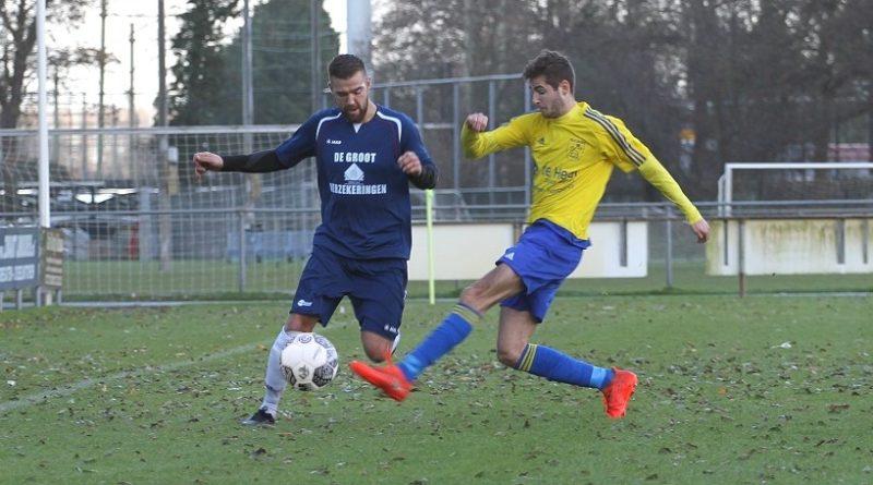 Velsen-Uitgeest-Voetbal-in-Haarlem