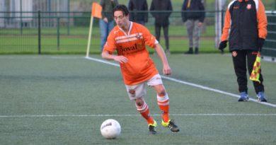 Spaarnwoude-Bloemendaal-Voetbal-in-Haarlem (14)