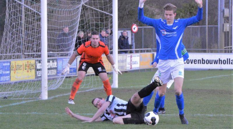 Stormvogels-IJmuiden-Voetbal-in-Haarlem (13)