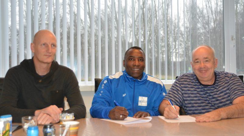 Brian-Tevreden-Velsenoord-Voetbal-in-Haarlem