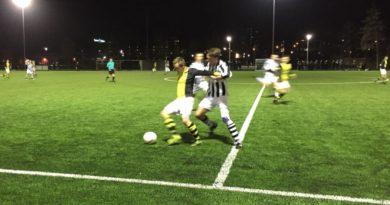 Onze-Gezellen-Schoten-Voetbal-in-Haarlem