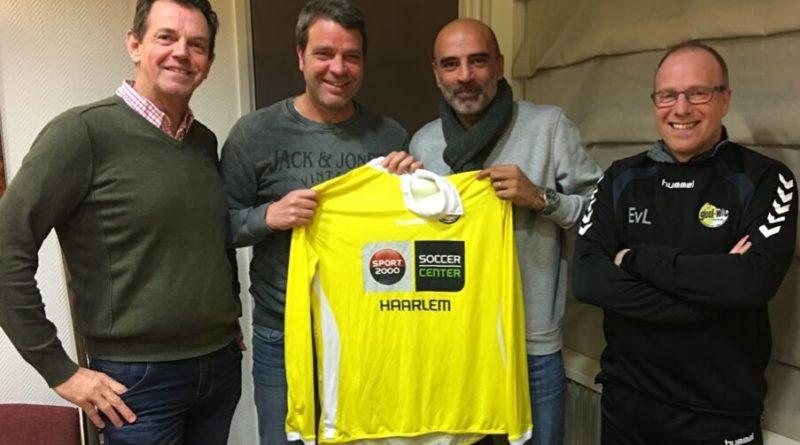 Radjin-de-Haan-Geel-Wit-Voetbal-in-Haarlem