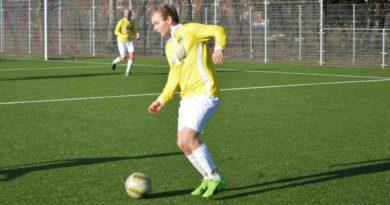 Geel-Wit-Voetbal-in-Haarlem