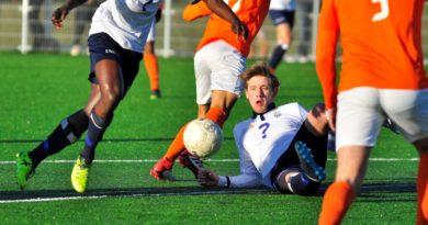 TEC-Koninklijke HFC-Voetbal-in-Haarlem (1)