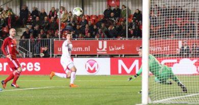 Almere-City-Telstar-Voetbal-in-Haarlem