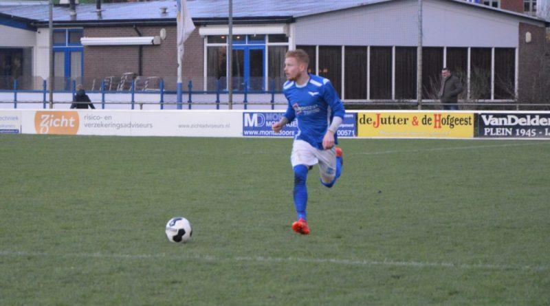 Stormvogels-IJmuiden-Voetbal-in-Haarlem (72)