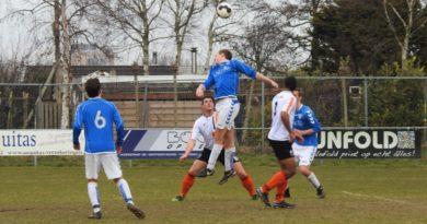 Terrasvogels-HBC-Voetbal-in-Haarlem (6)