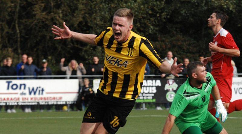 Weistra-Voetbal-in-Haarlem