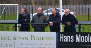 Bloemendaal-UnitedDAVO-Voetbal-in-Haarlem (10)
