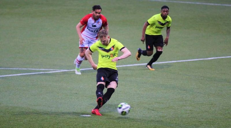 Emmen-Telstar-Voetbal-in-Haarlem