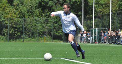 Mike-Guliker-Voetbal-in-Haarlem