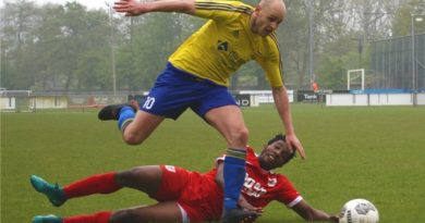 Velsen-Zeeburgia-Voetbal-in-Haarlem