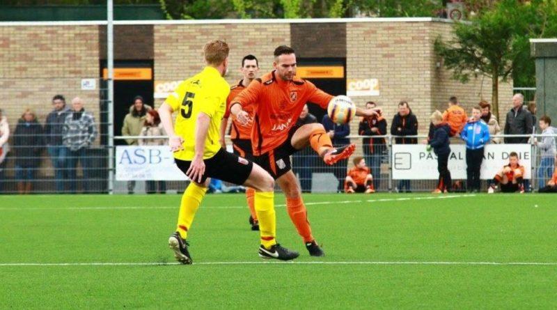 Dave-Dragt-HBC-Heemstede-Voetbal-in-Haarlem