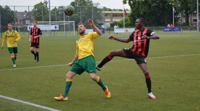 EDO-UItgeest-Voetbal-in-Haarlem