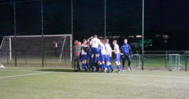 Geel-Wit-Hillegom-Voetbal-in-Haarlem