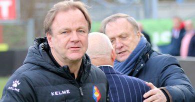 Mike-Snoei-Voetbal-in-Haarlem