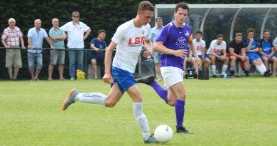 Spaarnwoude-VVHVelserbroek-Voetbal-in-Haarlem