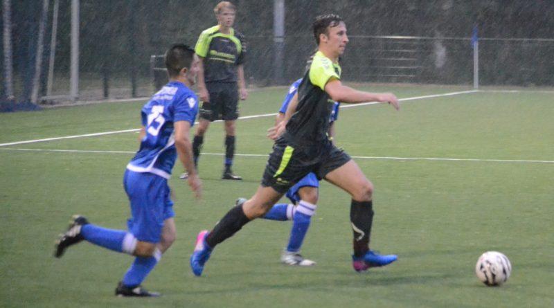 UnitedDAVO-Stormvogels-Voetbal-in-Haarlem