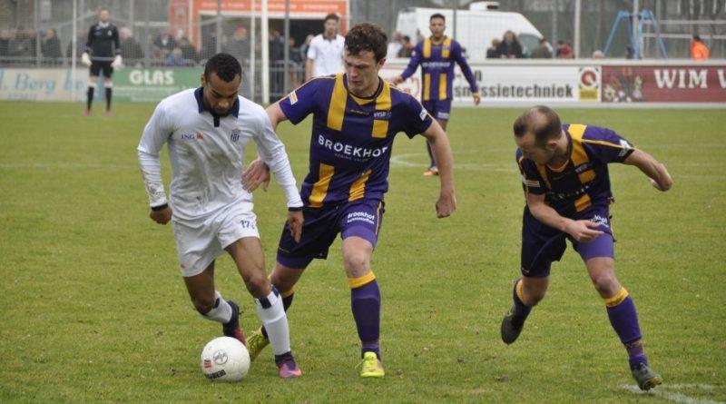 Van-der-Slot-Koninklijke-HFC-Voetbal-in-Haarlem