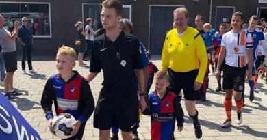 Zwanenburg-HBC-Voetbal-in-Haarlem