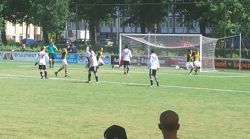 DCG-Schoten-Voetbal-in-Haarlem