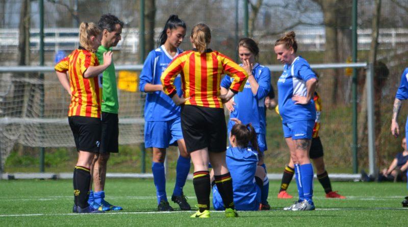 UnitedDAVO-vrouwen-Voetbal-in-Haarlem (38)