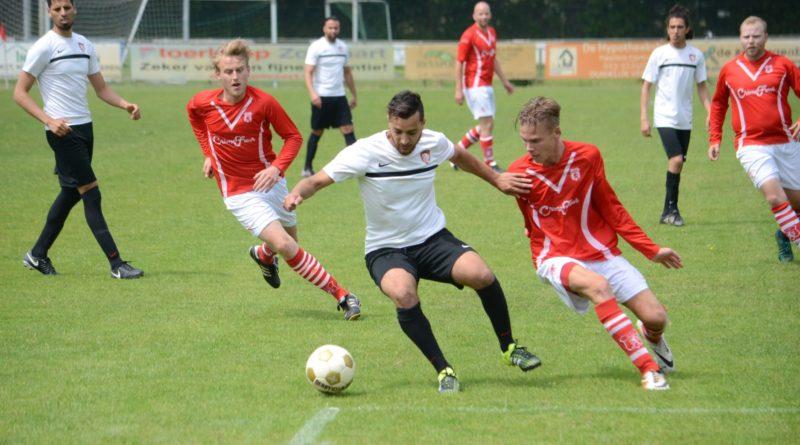 VSV-Atletico-Club-Amsterdam-Voetbal-in-Haarlem (1)