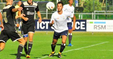 Koninklijke-HFC-Jong-Ajax-Voetbal-in-Haarlem (10)