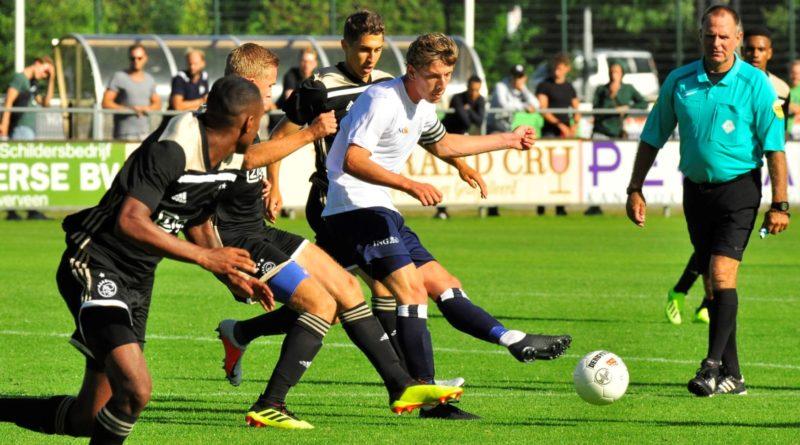 Koninklijke-HFC-Jong-Ajax-Voetbal-in-Haarlem (6)